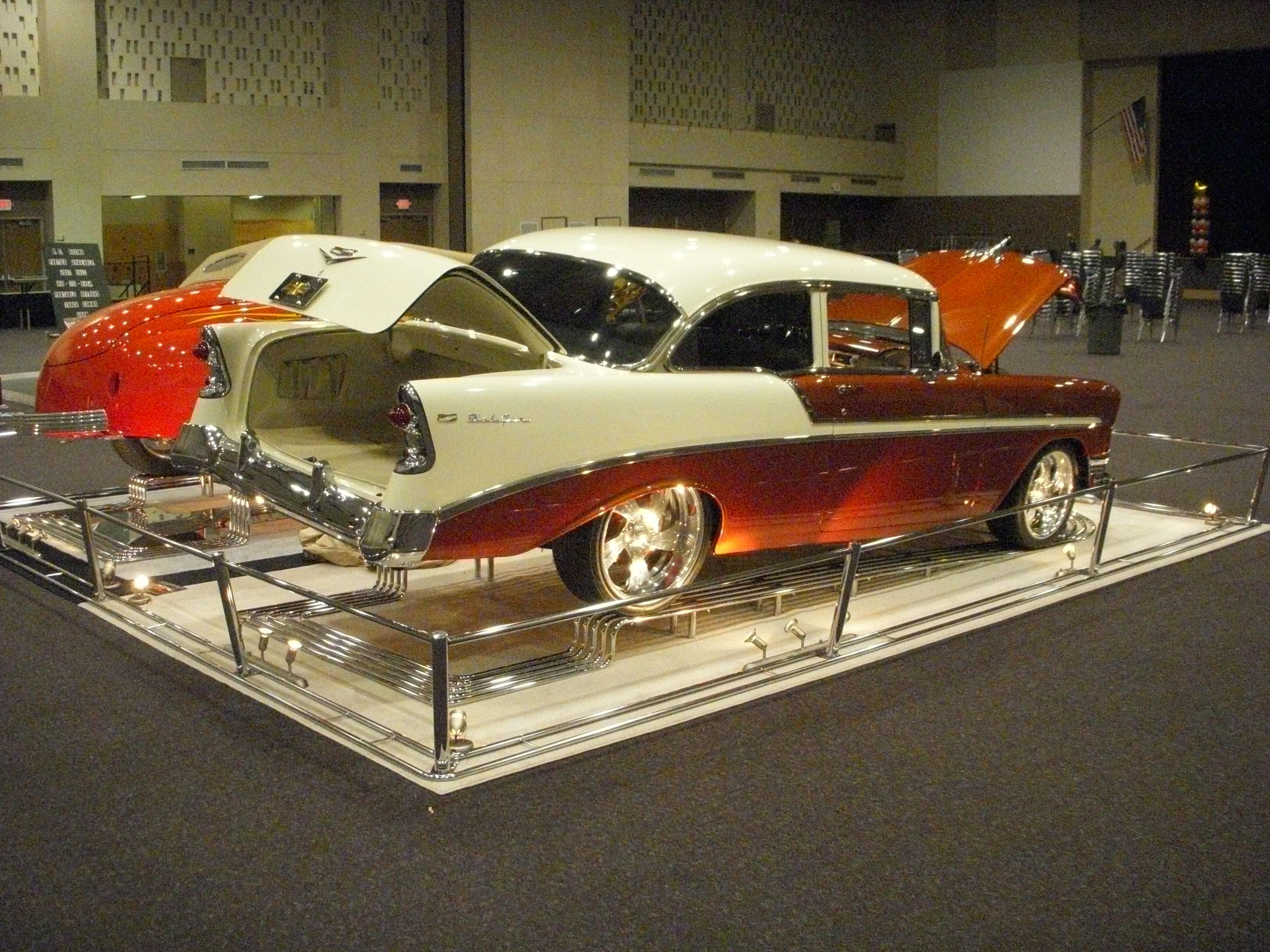 SHOTRAK Is The Leader In Auto Presentation Racks - Car show display barriers